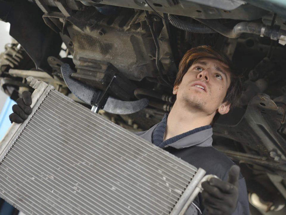 5 نکته مهم درباره رادیاتور خودرو و چگونگی تعویض آن