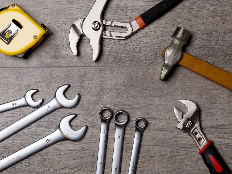 ابزار و لوازم ضروری که یک خودرو به آن نیاز دارد
