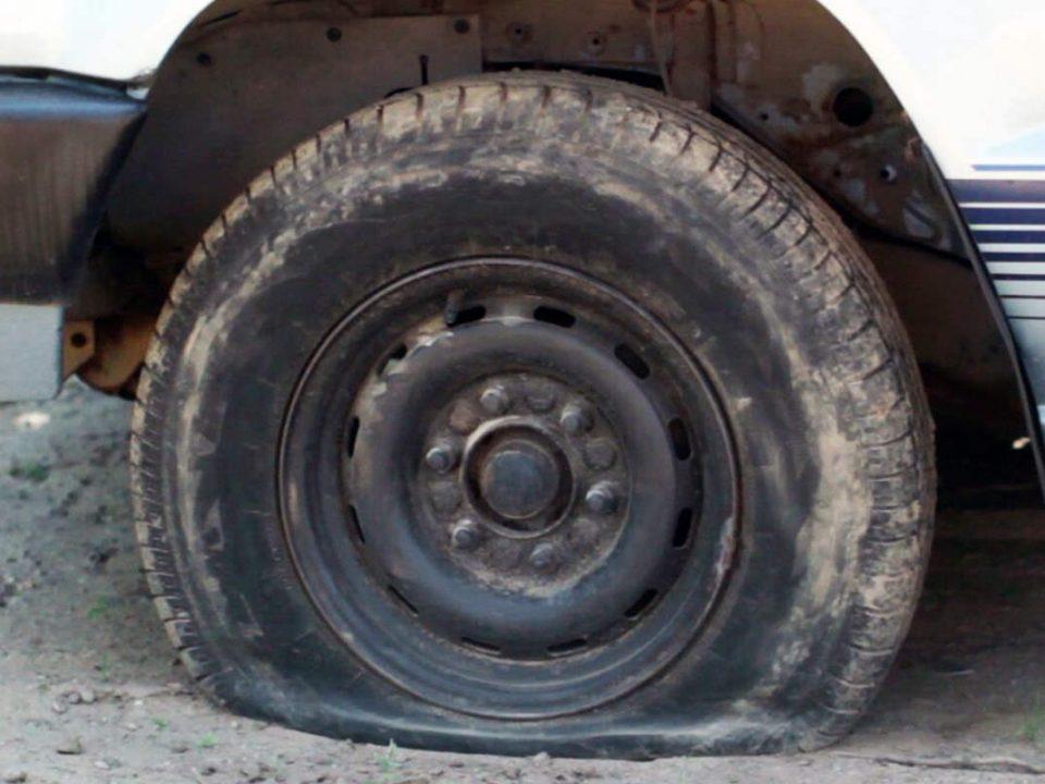 پنچری انواع لاستیک اتومبیل