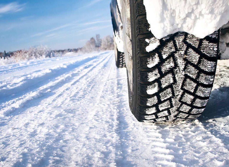 آشنایی با لاستیک یخ شکن در خودرو – اتوکلینیک رضایی