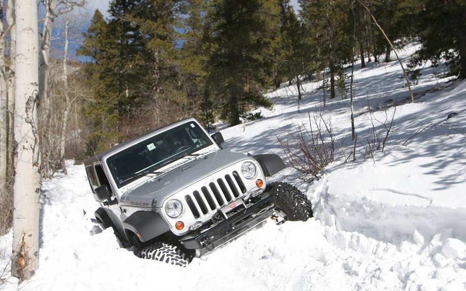 چگونگی رانندگی در برف و یخبندان را بیاموزیم؟ - اتوکلینیک رضایی