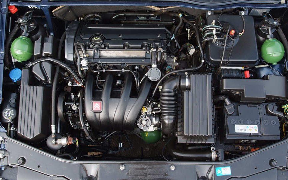 نشت مایعات در خودرو و شناسایی نوع آنها - اتوکلینیک رضایی
