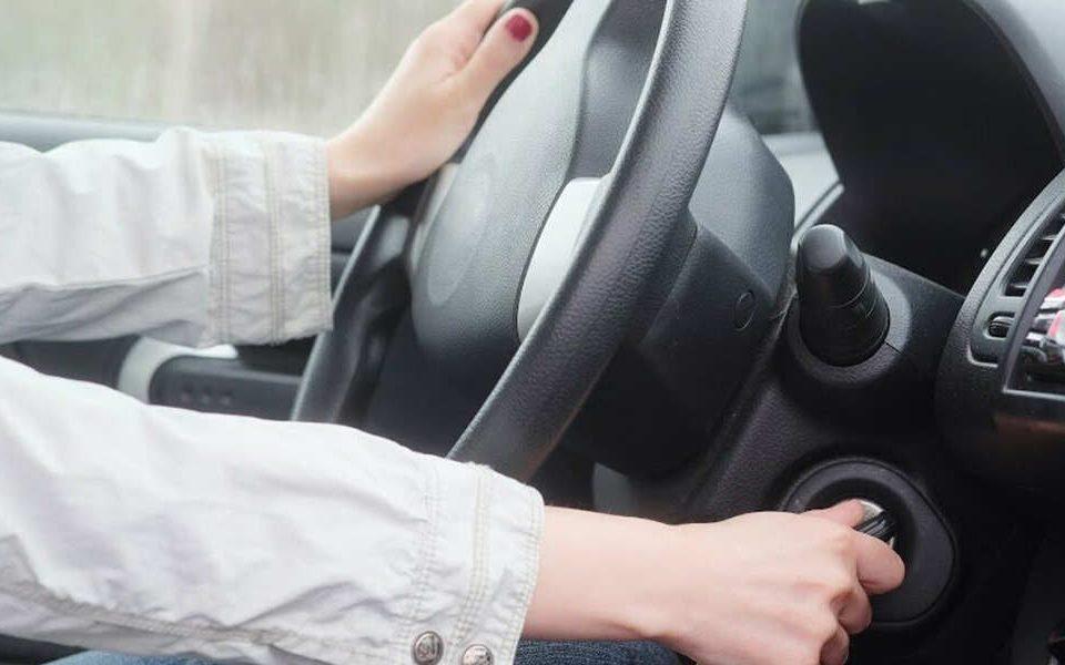 عواملی که سبب روشن نشدن موتور خودرو می شوند – اتوکلینیک رضایی