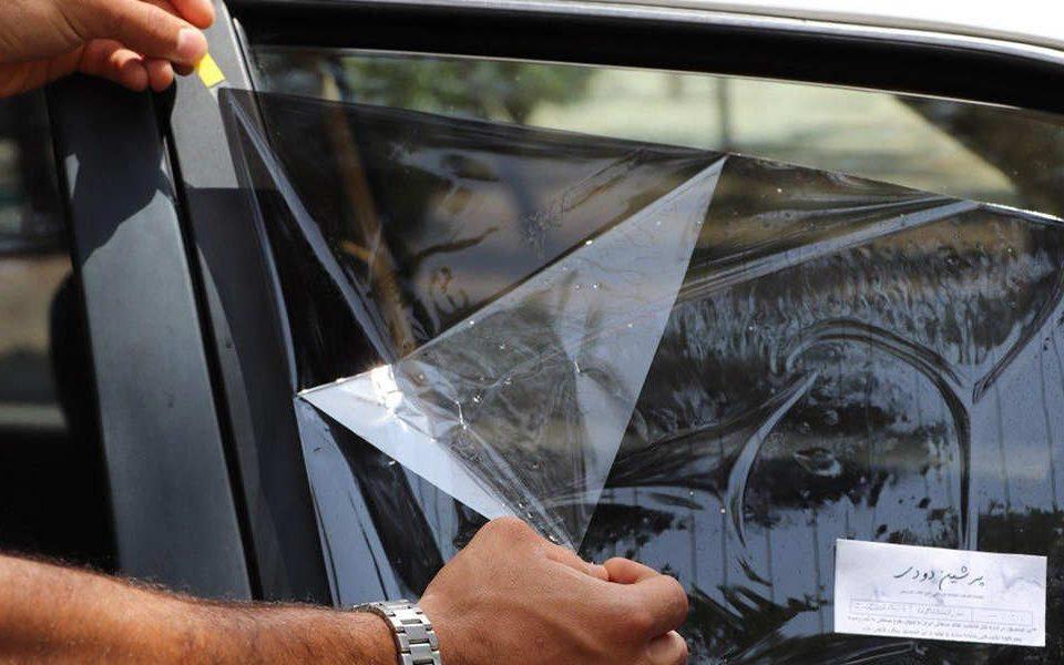 علائم و حروف درج شده در روی حاشیه شیشه های خودرو برای چیست؟ - اتوکلینیک رضایی