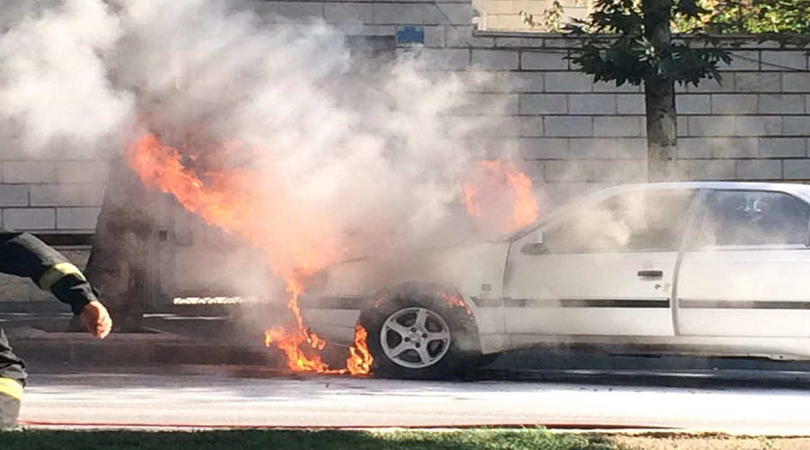 چگونه می توانیم خودرو آتش گرفته را خودمان خاموش کنیم؟ – اتوکلینیک رضایی
